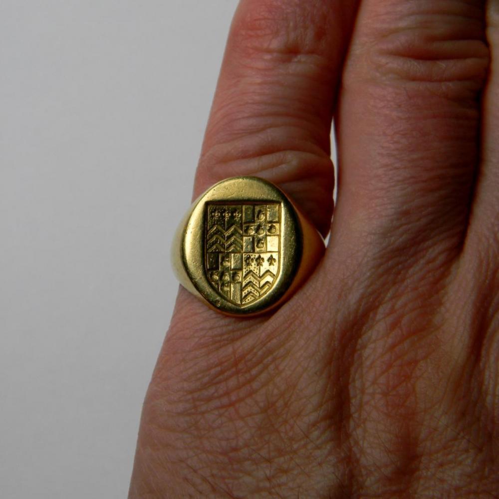 Large 18ct Gold Seal Engraved Signet Ring Db Gems